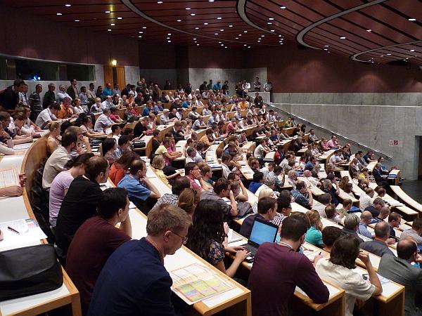 salzburg-agit-2011-aula-P1050441-w600