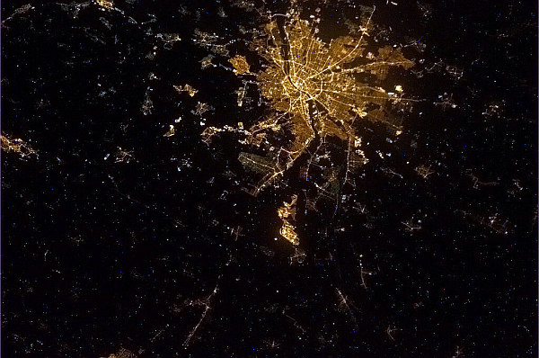 our-world-from-iss-budapest-BDbA_BvCYAApwCN-w600