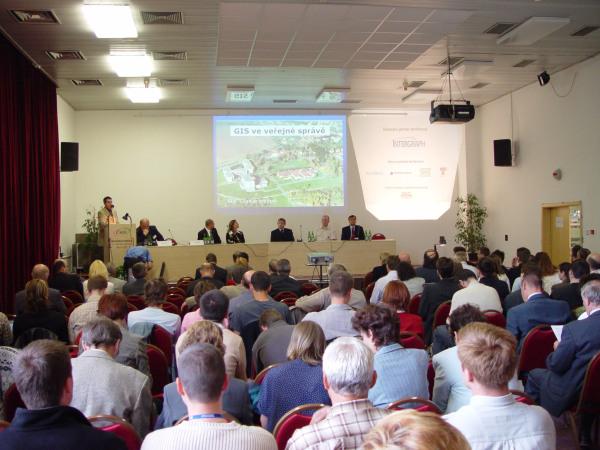 Petr Kubíček zahajoval v roce 2005 první ročník konference Geoinformatika ve veřejné správě