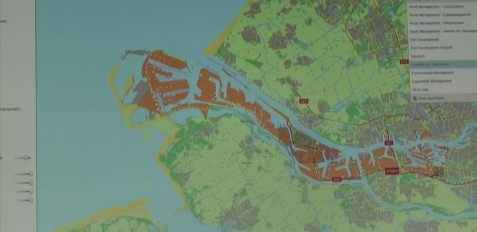geobusiness-magazine-esri-special-achievement-2014-port-of-rotterdam-portmaps-gis-project-video-port17