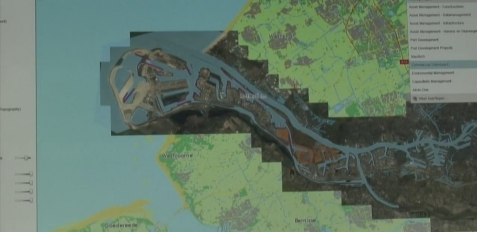 geobusiness-magazine-esri-special-achievement-2014-port-of-rotterdam-portmaps-gis-project-video-port18