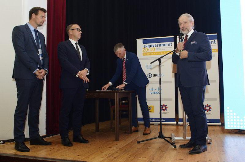 memorandum DTM ČR, konference E-government 2018 / GeoBusiness