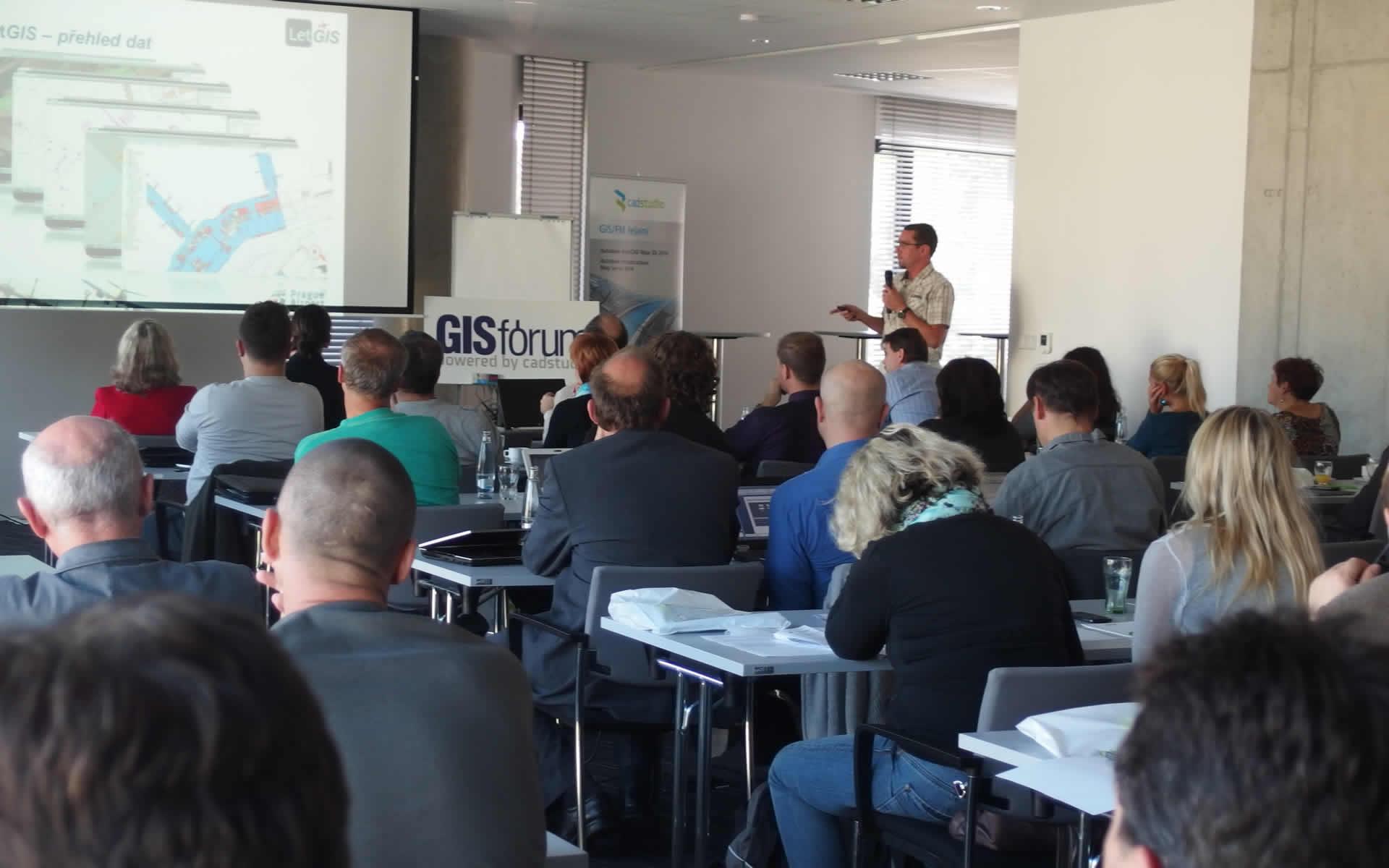 konference-gis-forum-2021-ucastnici-g